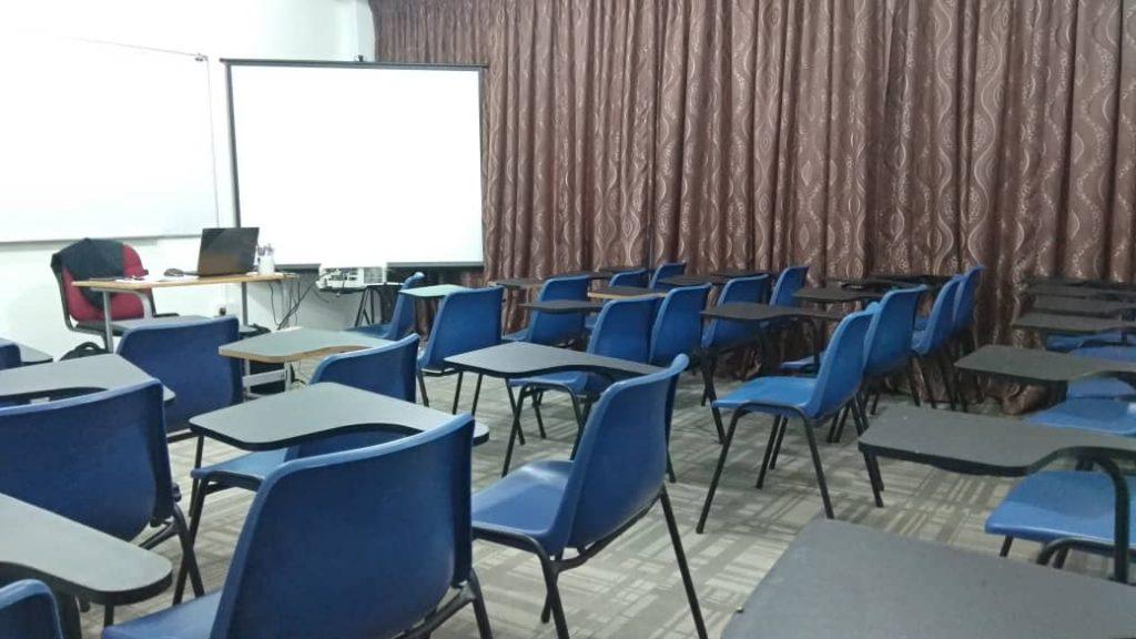 Antara gambar dalam  Bilik seminar Kuala Terengganu